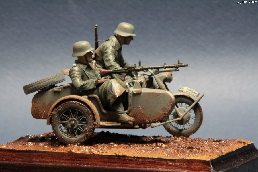 Master Box 1 35 German Motorcycle Troops On The Move